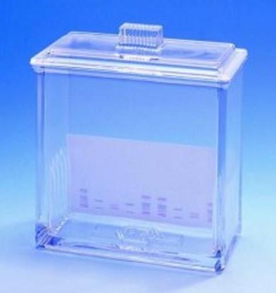 Slika za glass from laboratory sprayer with rubbe